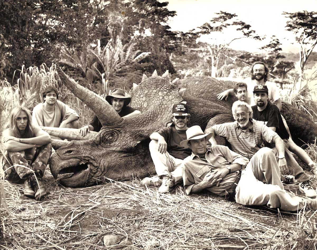Steven-Spielberg-Sam-Neill-Stan-Winston-and-crew-with-a-Triceratops-on-the-set-of-Jurassic-Park
